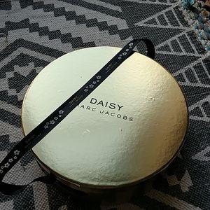 Marc Jacobs Daisy Original Hat Box